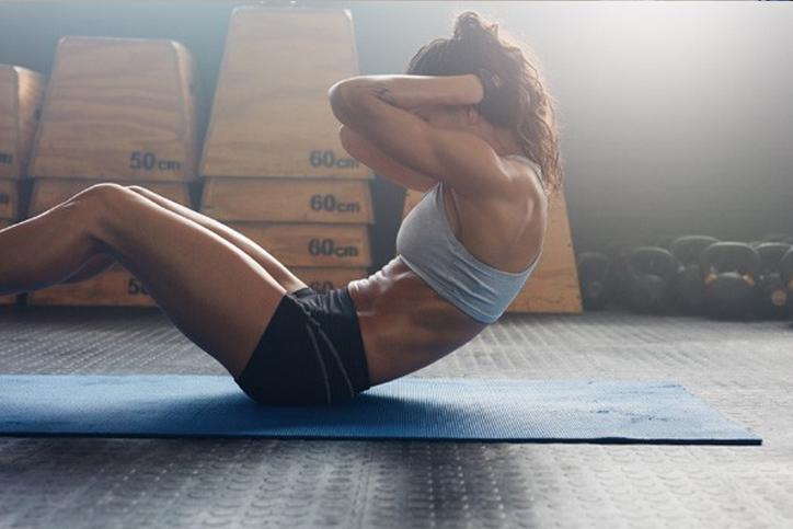 Saiba o que comer antes e depois do treino de acordo com seu objetivo