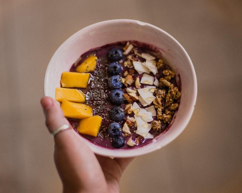 Os bowls prometem ser a comida do verão. Mas será que eles são saudáveis?