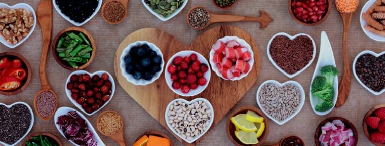 """""""xô, celulite!"""" nutricionista entrega 8 dicas de alimentação que ajudam a combater a flacidez"""